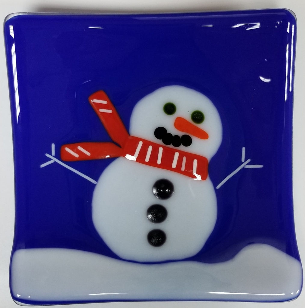 This image has an empty alt attribute; its file name is snowman-plate-e1574204959918.jpg